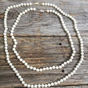 Pearl costume necklace
